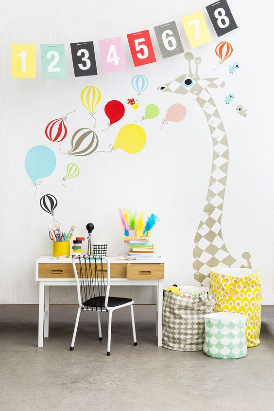kids-desk-graphic