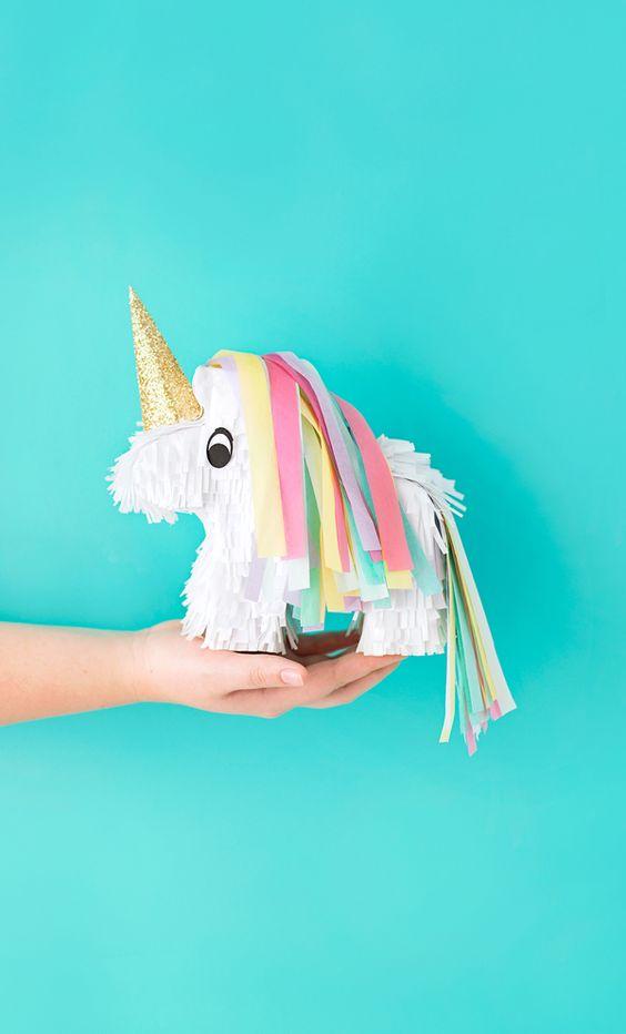 anniversaire-licorne-pinata