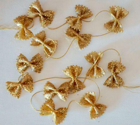 DIY-guirlande-farfalle-dorées