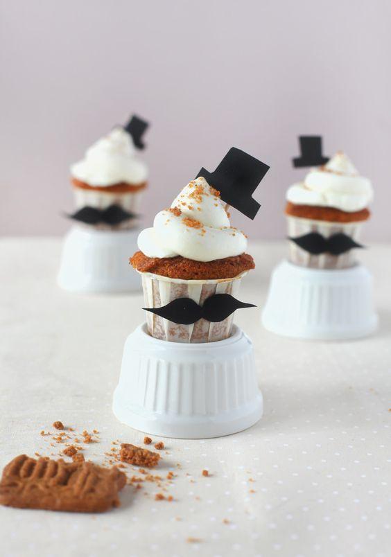 cupcakes-chapeau-moustache